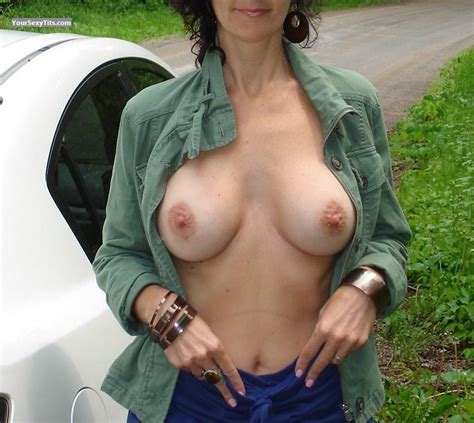 Wife's Big Tits - Foxy B from Canada Tit Flash ID 100926