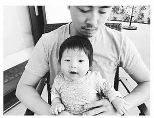 Steven Yeun with his son