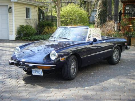 1975 Alfa Romeo Spider Photos, Informations, Articles