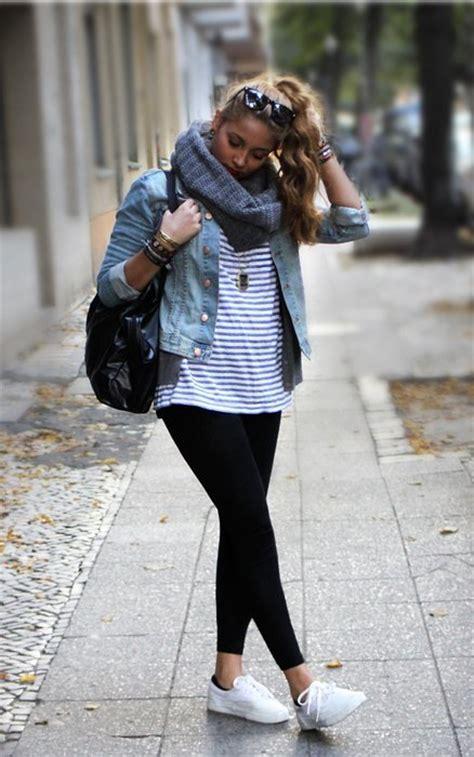 Moda en la calle el estilo informal casual y deportivo que su00ed podemos ver en nuestra ciudad