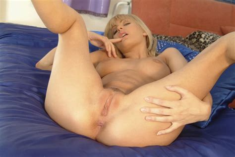 Pictures Of Sweet Marci Spreading Her Sweet Legs Coed Cherry
