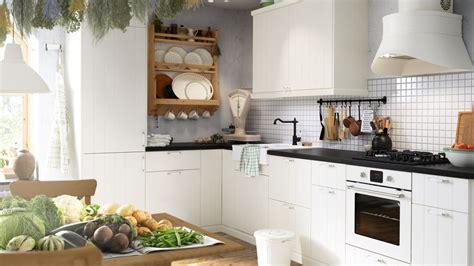 cuisine blanche et plan de travail noir dossier les cuisines ikea