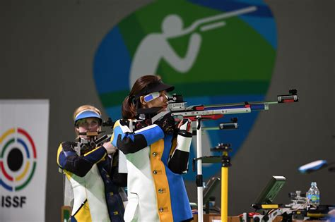 women fire equal number shots issf rules
