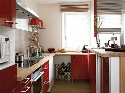 dans la cuisine de poser un plan de travail dans la cuisine maison travaux