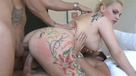 Tattooed Blonde Hoe Candela X Gets Nailed By Two Hot Dudes