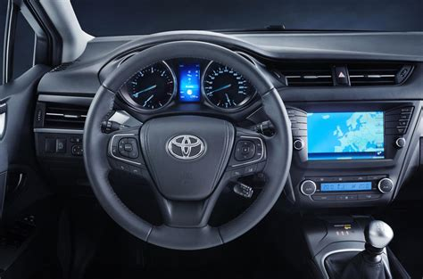 toyota avensis facelift  engines specs