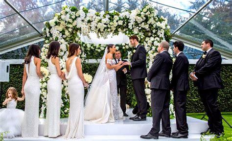 Jewish Wedding : A Super Luxe Floral Jewish Wedding In The Bride's Parents