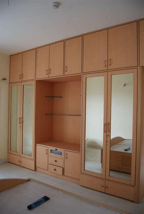 bedroom wardrobe design playwood wadrobe  cabinets  clothes hangers trendy