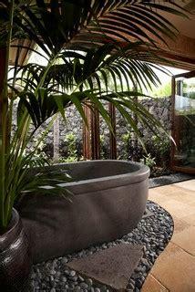 lot  tropical bathroom hawaii  gm construction