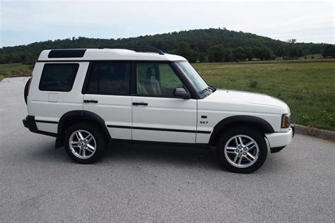 2003 Land Rover Discovery Photos, Informations, Articles