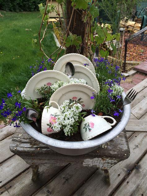 Topfpflanzen Für Den Garten by Dishes Are Getting Done Planter That We Made My Crafts