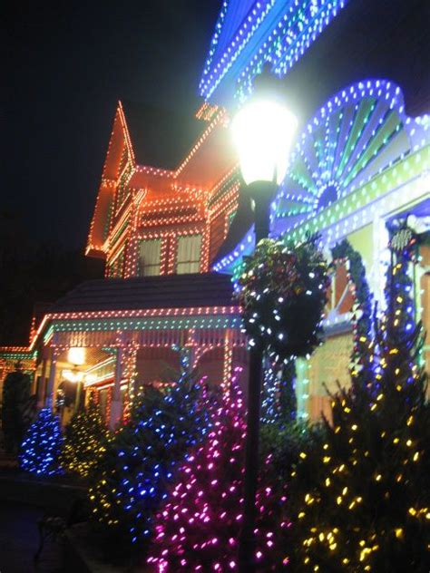 lights at dollywood decorating