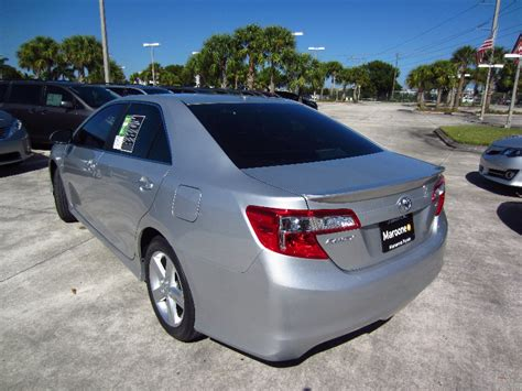 2012-toyota-camry-se-test-drive-review-013
