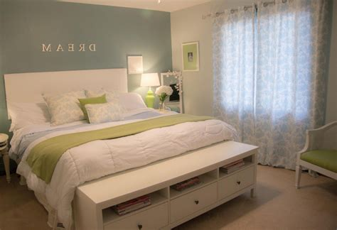 How To Decorate A Bedroom by Decorating The Bedroom Trumk
