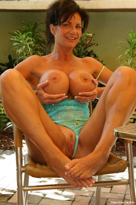 Big Titted Milf Deauxma Shows Off Her Fine Melons