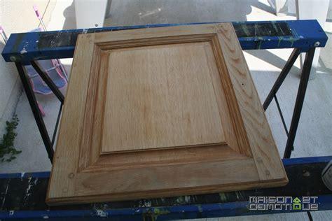 customiser cuisine en bois customisation de la cuisine pour la rajeunir un peu