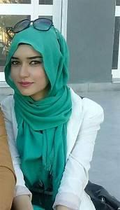 Ways to Stylize Easy Loose Hijab through Tutorial - HijabiWorld