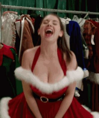 Alison Brie Mega Post To Get You Excited For Community Season