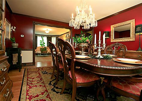 Dining Room Decorating Blue Or Red? Tradesmenie