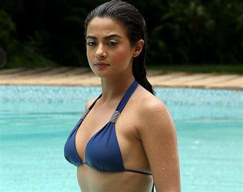 surveen chawla bikini actress surveen chawla images hot bikini wallpapers in hd