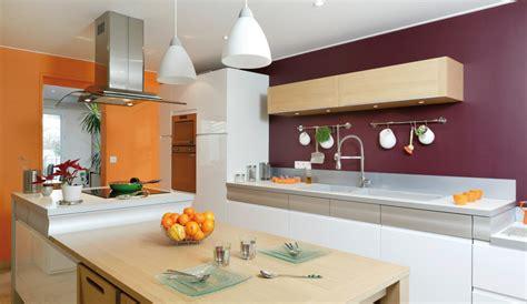 cuisine blanche mur aubergine cuisine blanche mur aubergine 7 la couleur orange
