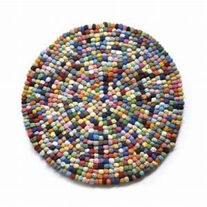 Tapis En Crochet : tapis en boules de crochet le ons de choses kidzcorner ~ Teatrodelosmanantiales.com Idées de Décoration