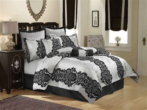 black  white bedspreads decorating ideas