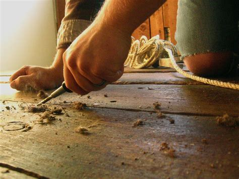 DIY: How to Fill Gaps in Plank Wood Floors   DIY