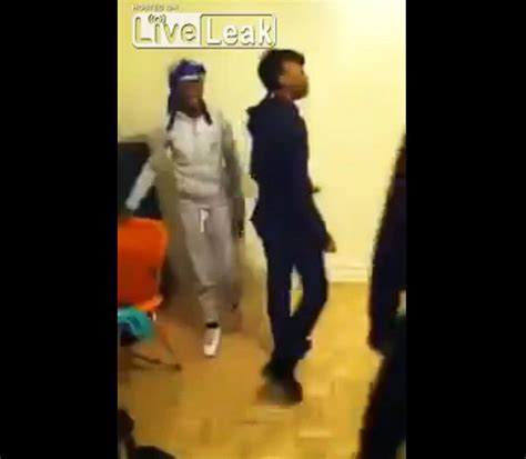Video Dad Viciously Beats Girls For Twerking  Ny Daily News
