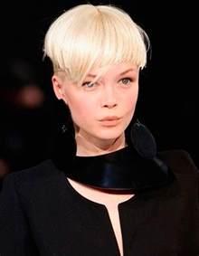 idã es coupe de cheveux coiffure courte asymetrique design bild