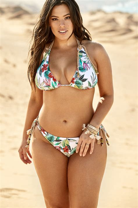 ashley williams swimsuit yammer time ashley graham flaunts her full figured
