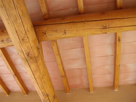 chambre poutre apparente plafond poutres apparentes bois myqto com