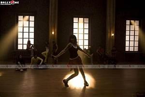 Chance Pe Dance – Shahid, Genelia Wallpapers