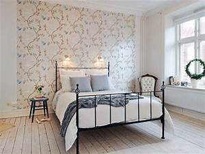 Simple wallpaper bedroom ideas