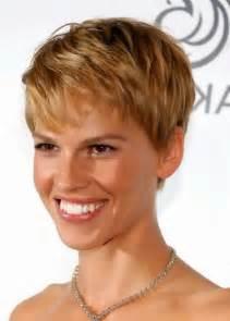 coupe de cheveux courts coupe de cheveux court femme de 40 ans irene petersen