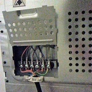Peut On Brancher Un Four Encastrable Sur Une Prise Normale : branchement cuisiniere electrique electrolux appareils ~ Dailycaller-alerts.com Idées de Décoration