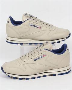 Reebok Classic Leather Trainers Ecru  Navy Shoes Utility Mens