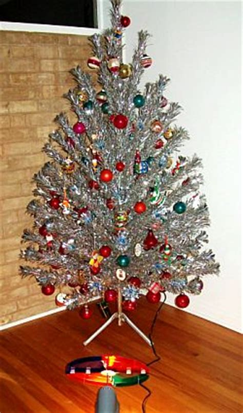 aluminum christmas trees for ssle mi m c museum needs aluminum tree wtca fm 106 1 and am 1050 the best news and