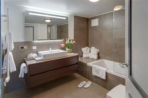 Gästebadezimmer  Bild Von Schlosshotel Life & Style