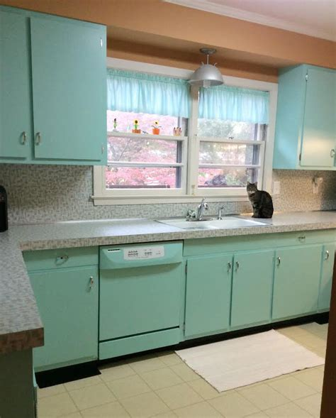 retro kitchen makeover retro kitchen before and after more betty crocker less 1942