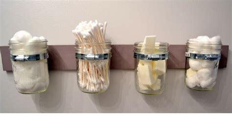 riciclare vasi di vetro idee fai da te per decorare la casa con barattoli di latta