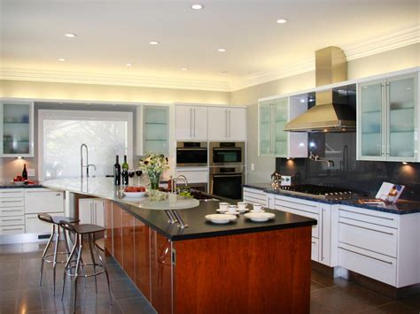 how to design kitchen lighting how to choose kitchen lighting hgtv
