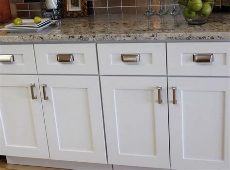 kitchen cabinets knobs or handles kitchen cabinets door handles and knobs home design ideas