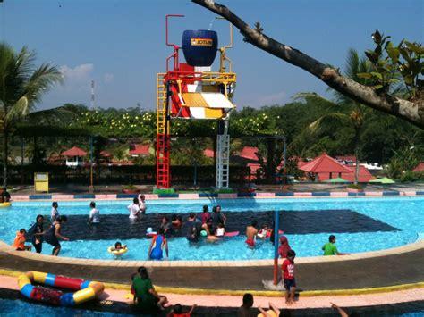 wisata keluarga seru  wahana wisata air owabong