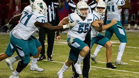 Coastal Carolina knocks off No. 21 La.-Lafayette 30-27 ...