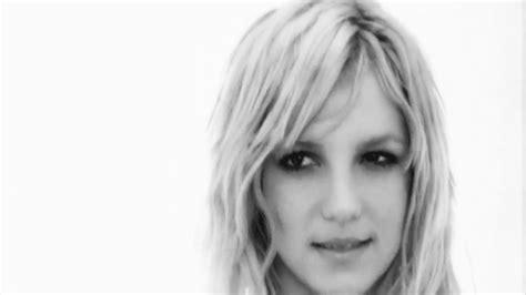 Ke Ha Peter Kraus The Vampire Diaries Andy Warhol Katrina Witt