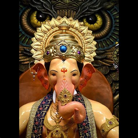 ganesh at lalbaugcha raja in mumbai ganesh chaturthi 2016 check out look of ganesh