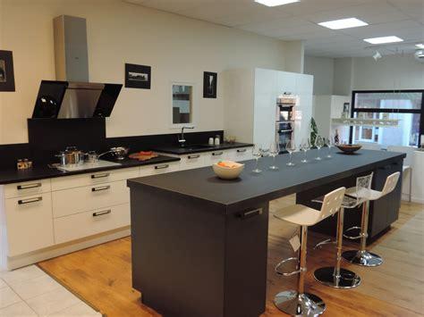 table de cuisine avec plan de travail table plan de travail pour cuisine cuisine idées de