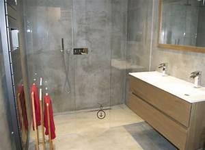 le beton cire dans la maison moderne archzinefr With beton cire mur salle de bain