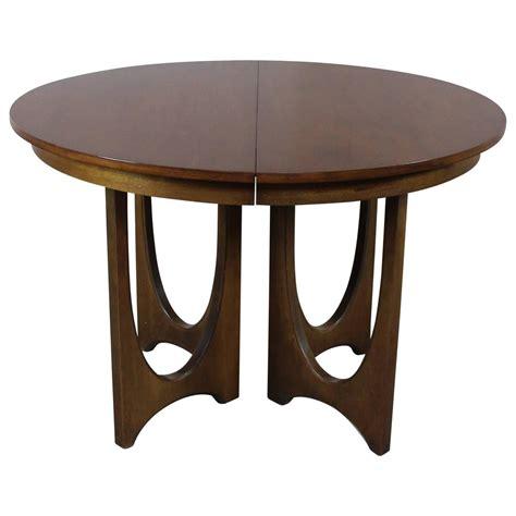 mid century modern dining table base mid century modern broyhill brasilia 6140 1645 round